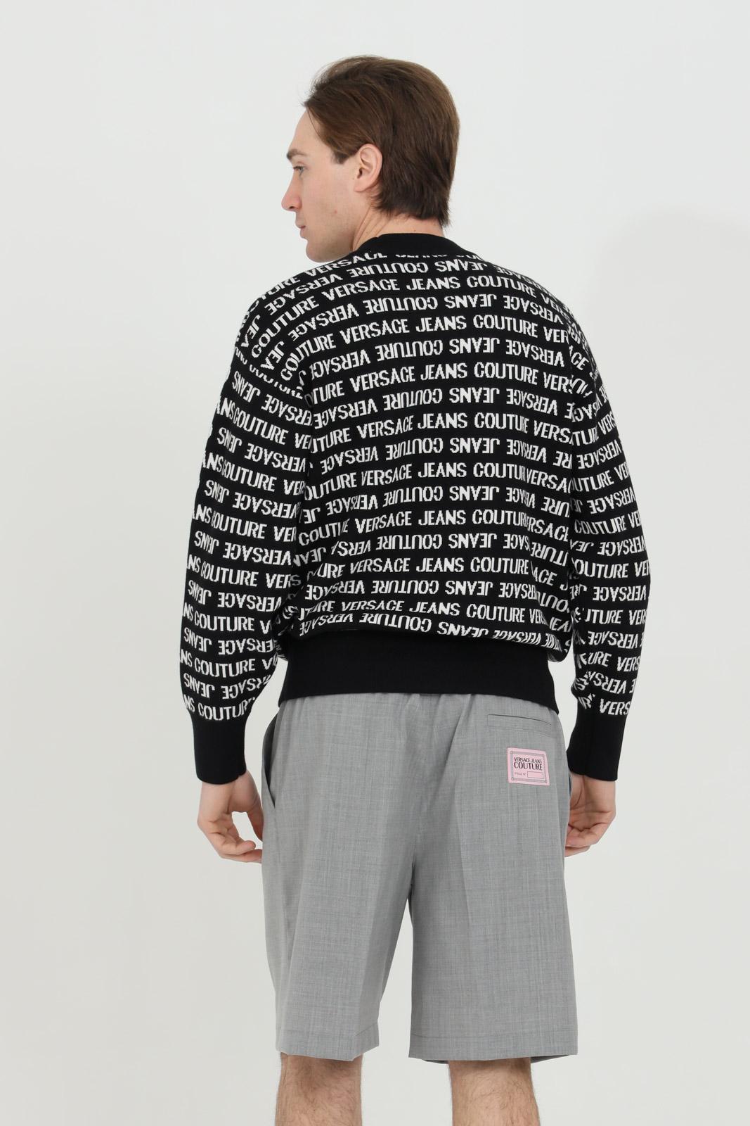 Maglioncino uomo nera versace jeans couture girocollo con logo pattern VERSACE JEANS COUTURE | Maglieria | B5GWA80350644L01